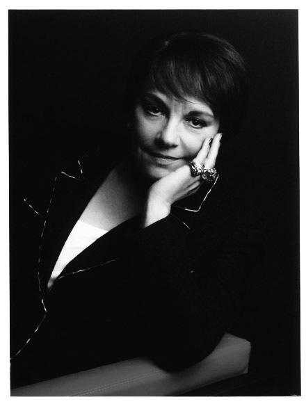 Francoise-Montenay-portrait-KarlLagerfeld.jpg_profil_detail_2